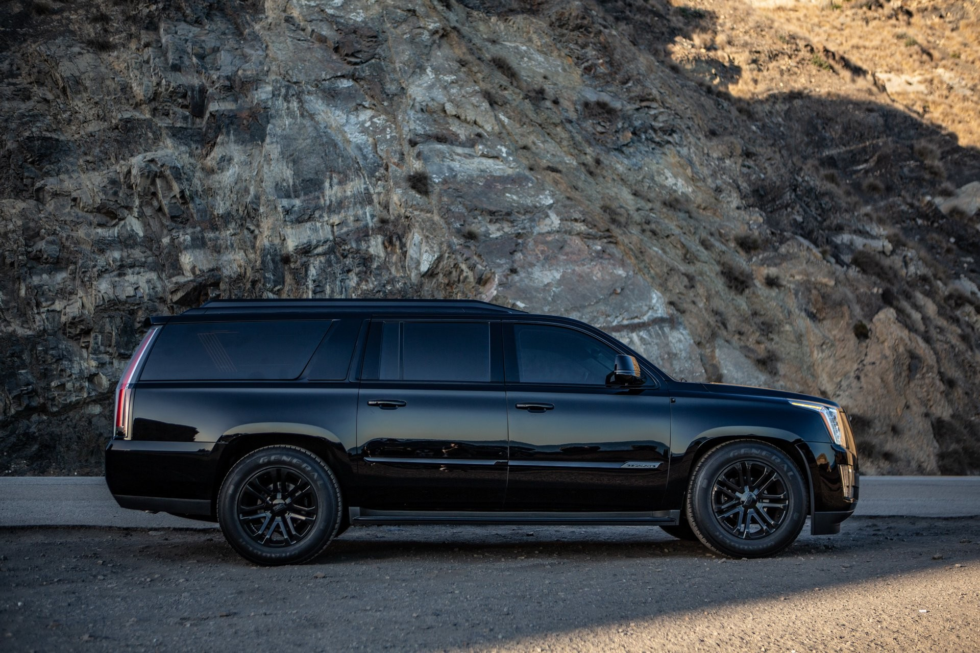 Foto de AddArmor Cadillac Escalade (21/21)