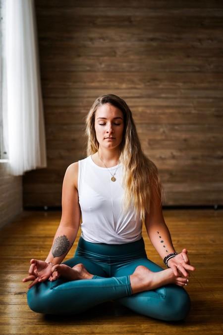postura-loto-padmasana-yoga