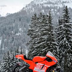 Foto 9 de 13 de la galería ducati-desmosedici-gp-10-presentada-oficialmente en Motorpasion Moto