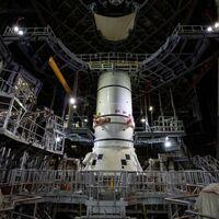 """La NASA comienza a ensamblar el """"megacohete"""" que nos llevará de vuelta a la Luna"""