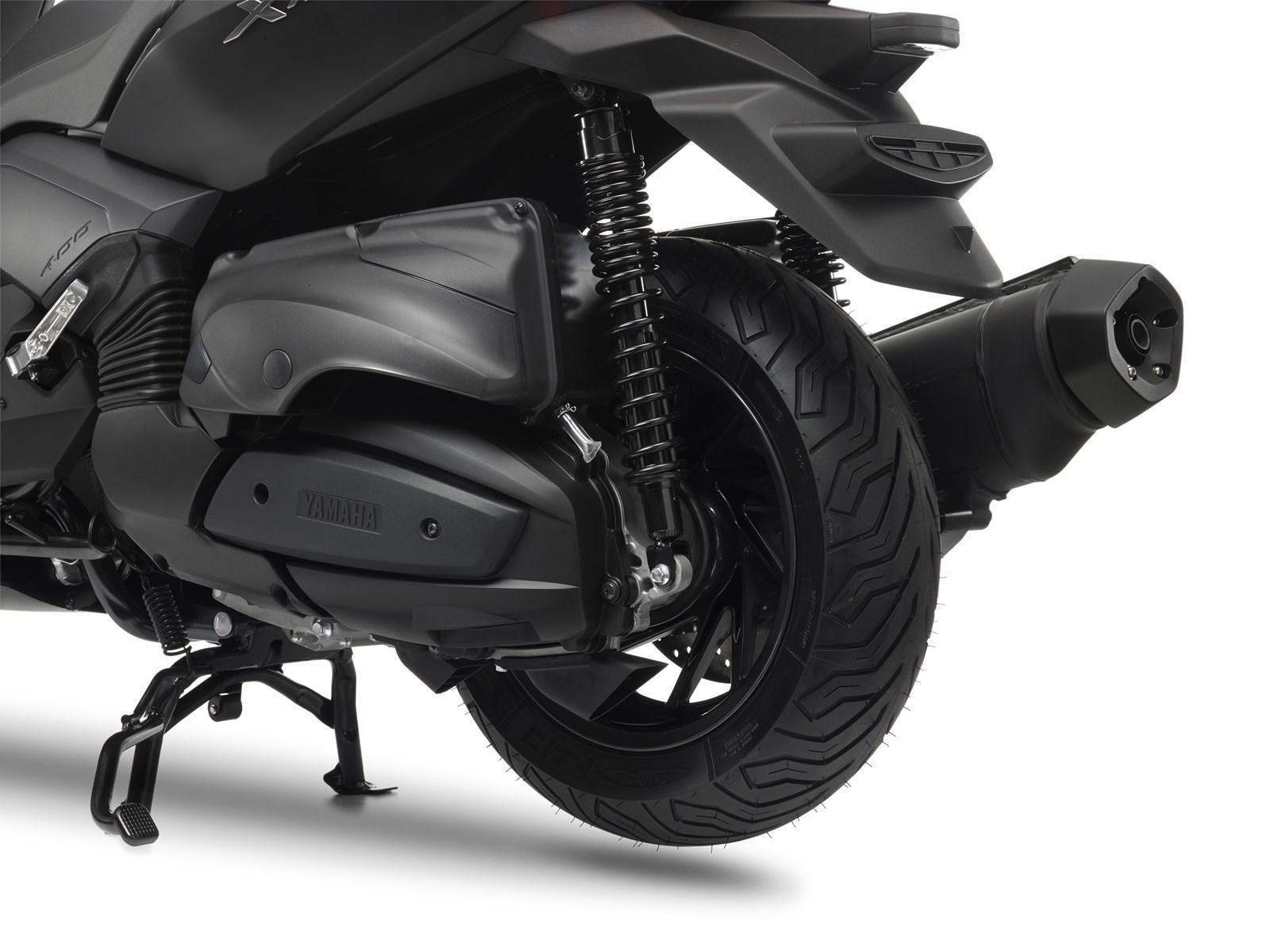 Foto de Yamaha X-MAX 400 MOMODESIGN, estudio y detalles (13/33)