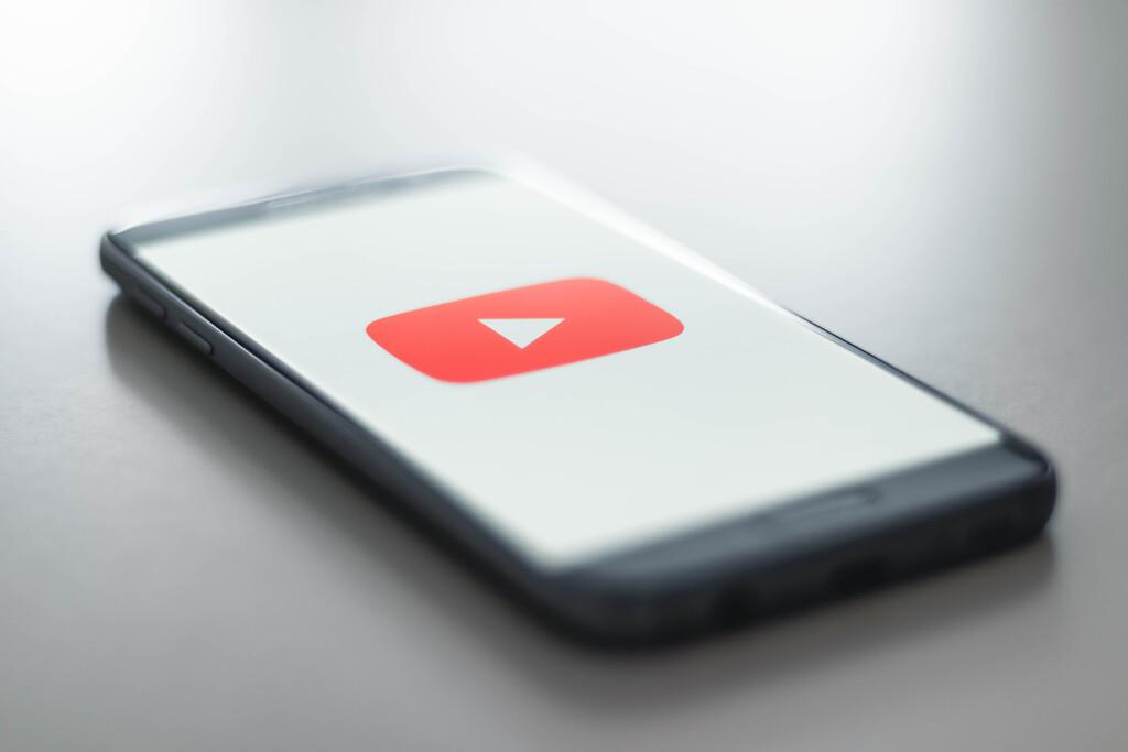 YouTube prueba un nuevo diseño en Android con una renovada página de información del contenido