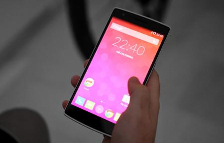 OnePlus One, pantalla