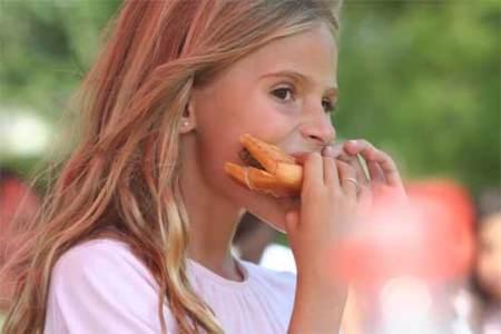 Comer rápido, una serie de riesgos para nuestro organismo