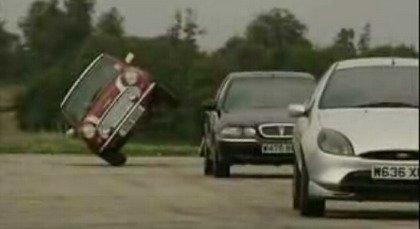 Cómo poner un coche a dos ruedas