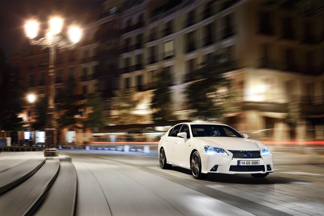 Foto de Lexus GS 300h (70/153)