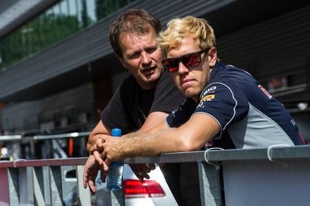 Red Bull destroza el cronómetro con Sebastian Vettel en cabeza
