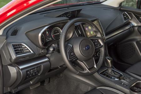 Subaru Impreza interior volante