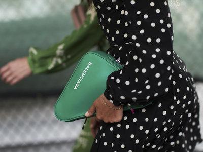 Clonados y pillados: el bolso Sandwichera de Balenciaga puede ser tuyo por muchísimo menos