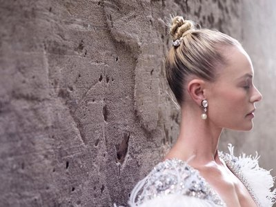 Kate Bosworth se disfraza de bailarina y de marinerita en sus dos looks del Festival de Venecia