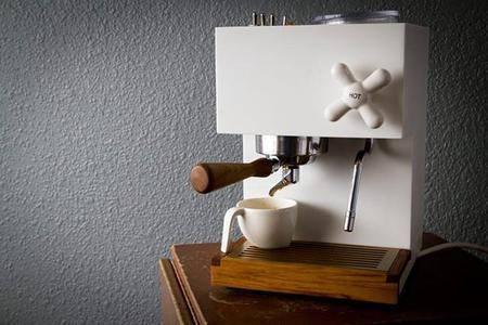 Cafetera para expreso Anza, el arte clásico del diseño.