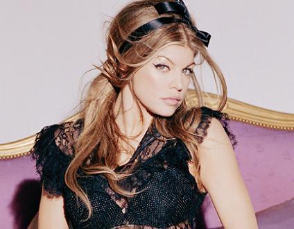 Fergie meterá publicidad en las letras de sus canciones