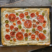 Más allá del gazpacho, 15 platos sanos y frescos para aprovechar el tomate esta temporada