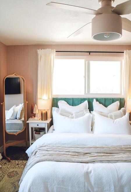 Antes y después: una habitación de matrimonio pequeña, con el espacio muy bien aprovechado