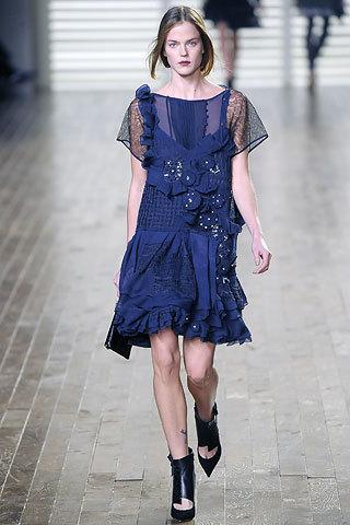 Foto de Lo que se lleva: el mini vestido azul (4/5)