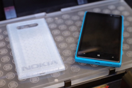 MakerBot imprime un par de carcasas para el Nokia Lumia 820