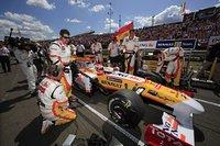 """Renault, Alonso y Grosjean correrán en Valencia """"para alegría"""" de Piquet"""