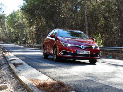 Probamos el Toyota Auris hybrid 2016, el compacto éxito en ventas