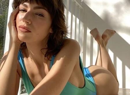 Jacquemus ficha a Úrsula Corberó para su campaña vía Facetime: así posa la actriz española desde su casa