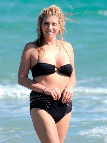 kesha-bikini.jpg