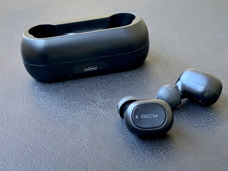 Estos auriculares low cost son los más vendidos de Amazon: los hemos probado