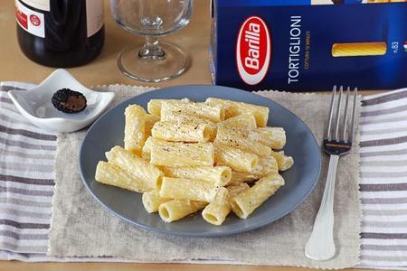 Receta de Tortiglioni en salsa de cava y trufa