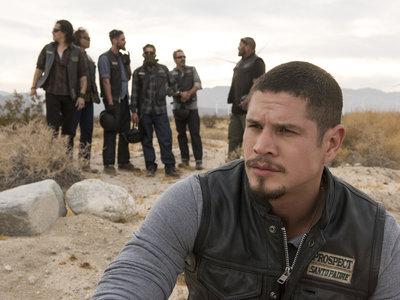 FX se queda con 'Mayans MC': el spin-off de 'Hijos de la anarquía' se estrenará en 2018