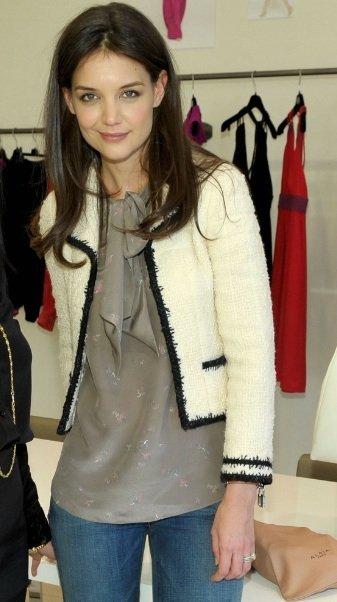 Como llevar tu chaqueta de tweed sin parecer una señora, por Katie Holmes