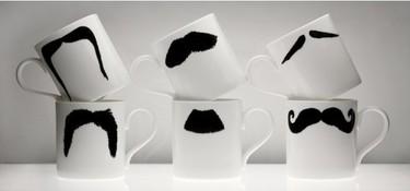 Tazas con bigotes