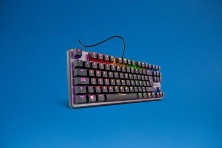 El teclado mecánico gaming KROM KERNEL TKL arrasa en ventas en Amazon y ahora puedes comprarlo rebajadísimo a menos de 40 euros