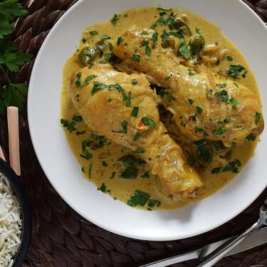 Muslitos de pollo al curry con leche de coco: receta fácil para un pollo en salsa diferente