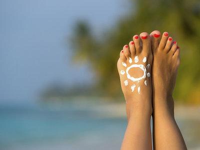 Tres consejos básicos para cuidar la salud de tus pies este verano