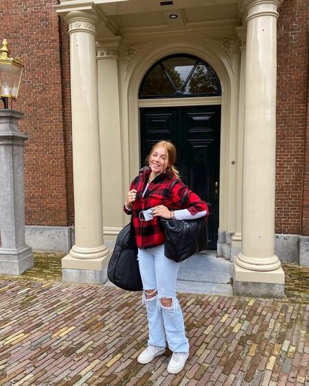 Incluso la realeza ha caído en las garras de las chaquetas a cuadros: tres modelos para lograr un look casual como el de Alexia de Holanda
