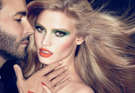 tom-ford-lara-stone.jpg