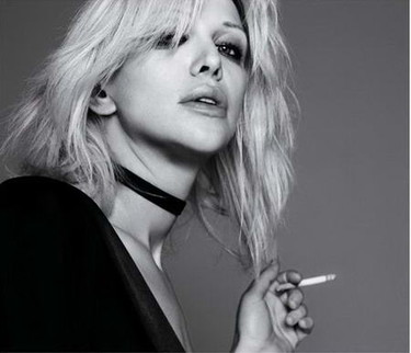 Courtney Love es una morosa
