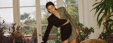El traje-pantalón se reinventa de la mano de Bershka y nos ofrece su lado más moderno y original