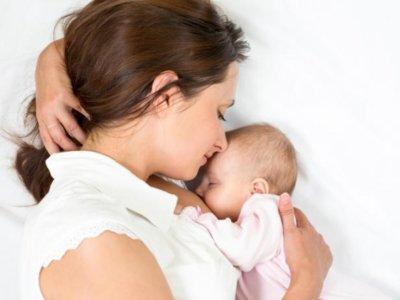 ¿Cómo saber si un recién nacido está comiendo poco o si come demasiado?