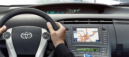 Esto es todo lo que puedes hacer con tu móvil en el coche. Toyota Touch 2