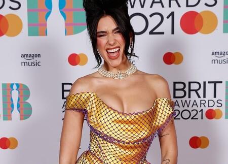 Los mejores looks de la alfombra roja de los Brit Awards 2021: de Dua Lipa a Harry Styles, Taylor Swift y muchas más