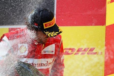 Fernando Alonso amplía su contrato con Ferrari hasta 2016
