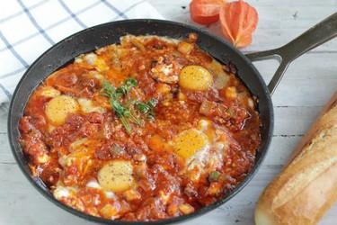 Un desayuno multicultural: aprende a hacer shakshuka