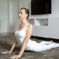 Las claves para realizar la postura de la cobra de Yoga de manera perfecta