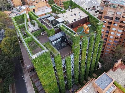 Con más de tres mil metros cuadrados, así de alucinante es el jardín vertical más grande del mundo