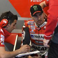 """Valentino Rossi: """"Jorge Lorenzo debe seguir creyendo en sí mismo. Puede ir mejor"""""""