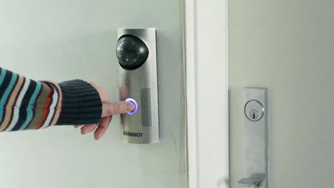 DoorBot, el timbre que te permite ver quién llama y hablar con él desde el móvil