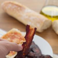 Auténtico bacon crujiente. Receta de aperitivo