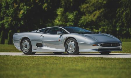 Este Jaguar XJ220 de 1993 sale a subasta con 6.800 km recorridos y apunta a que no será nada barato
