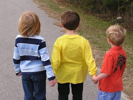 Cuando un niño se separa de su mejor amigo