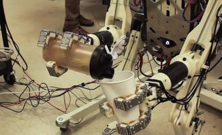 """El MIT crea HERMES, un robot que emula nuestros movimientos y reflejos a lo """"Acero puro"""""""