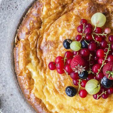 Tarta de queso mascarpone y frutos del bosque: un pastel espectacular